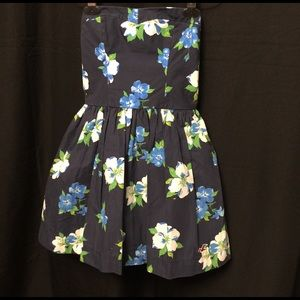 Hollister Juniors strapless dress with flowers-S